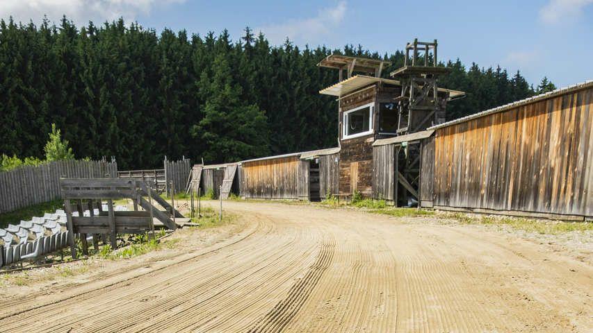 Die Sand- und Reitflächen wurden im Vorfeld von einem BeachTech-Strandreiniger bearbeitet.